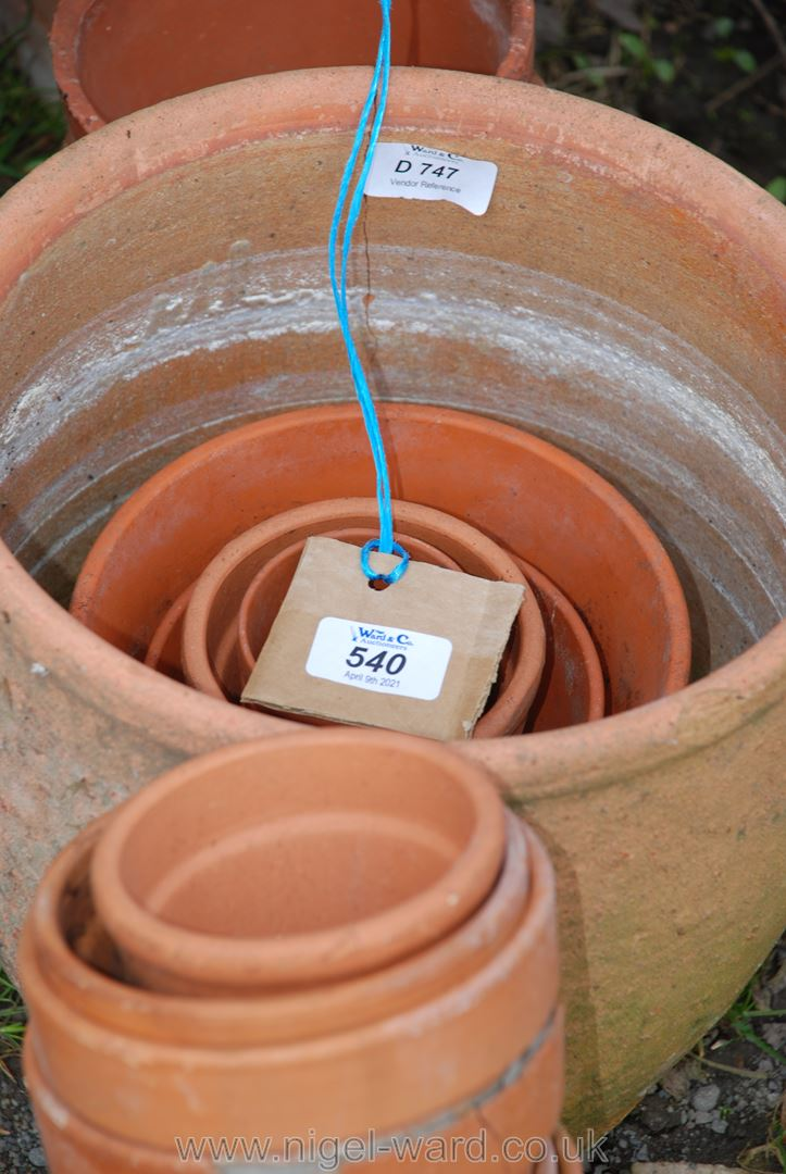 Collection of various sized terracotta flower pots, 30 approximately. - Image 2 of 2