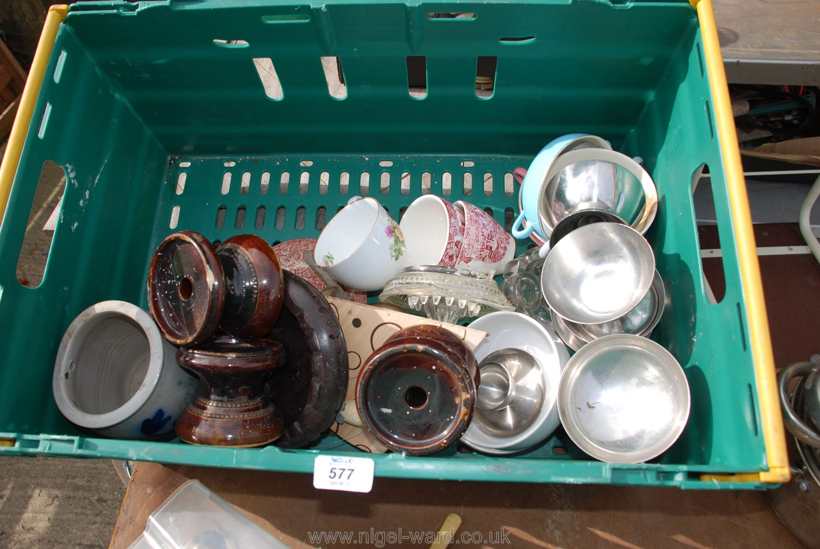 Tray of steaming pans, sundae dishes, cutlery etc. - Image 4 of 4