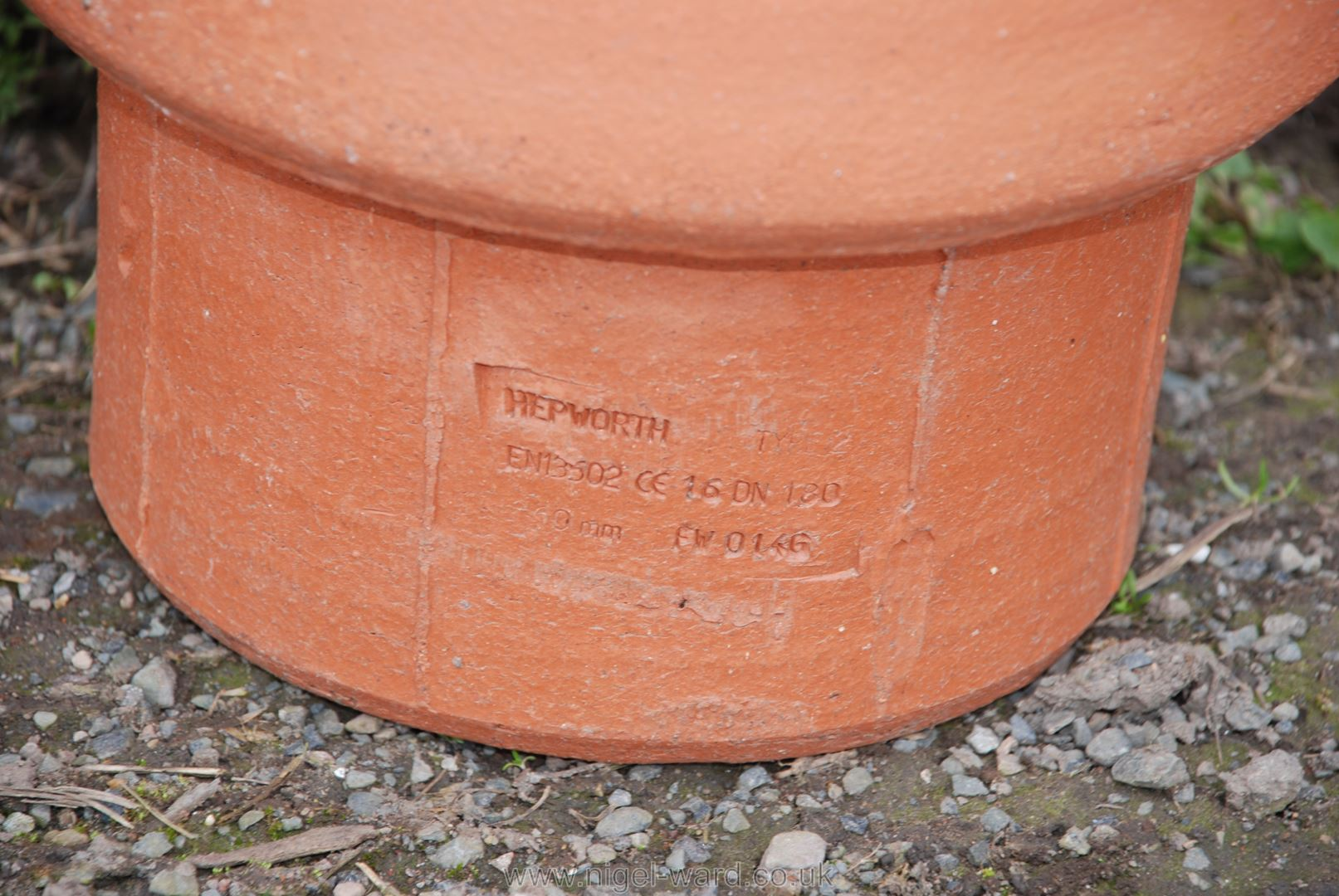 Terracotta chimney cowl - Image 2 of 2