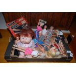 A box of dolls, Star-Wars and stationery sets.