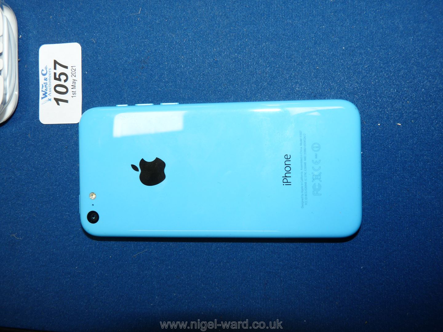 An Apple iPhone 5C, 8GB, blue, locked to Vodafone, - Image 2 of 3