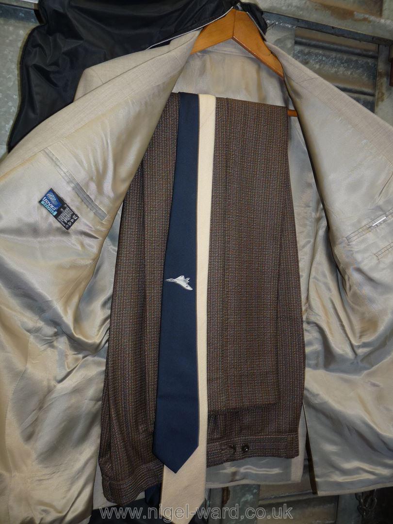 A gents light grey polyester Halon menswear Jacket, - Image 2 of 2