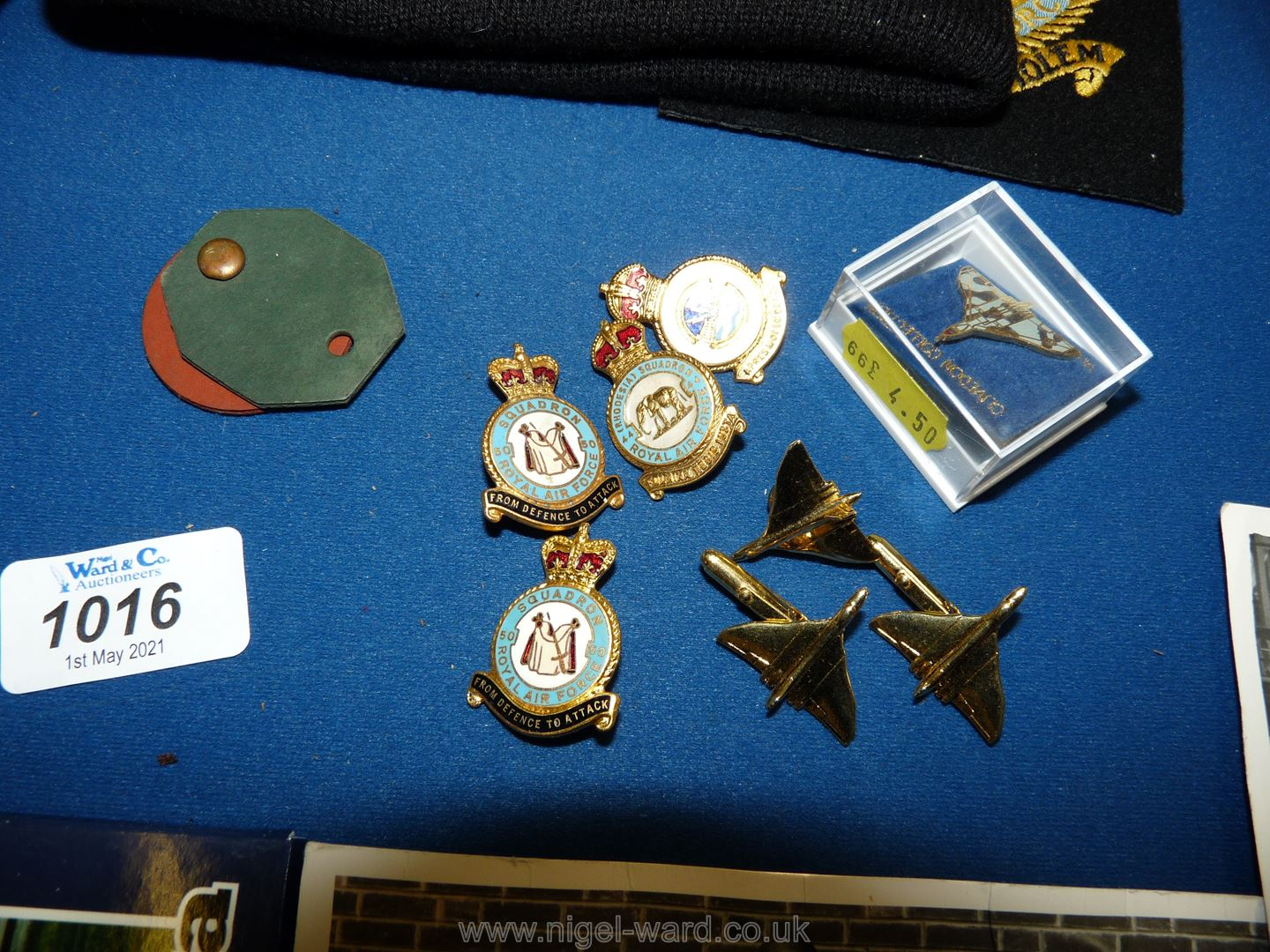 A small quantity of RAF memorabilia including a letter from the Queen of promotion to flying - Image 2 of 2