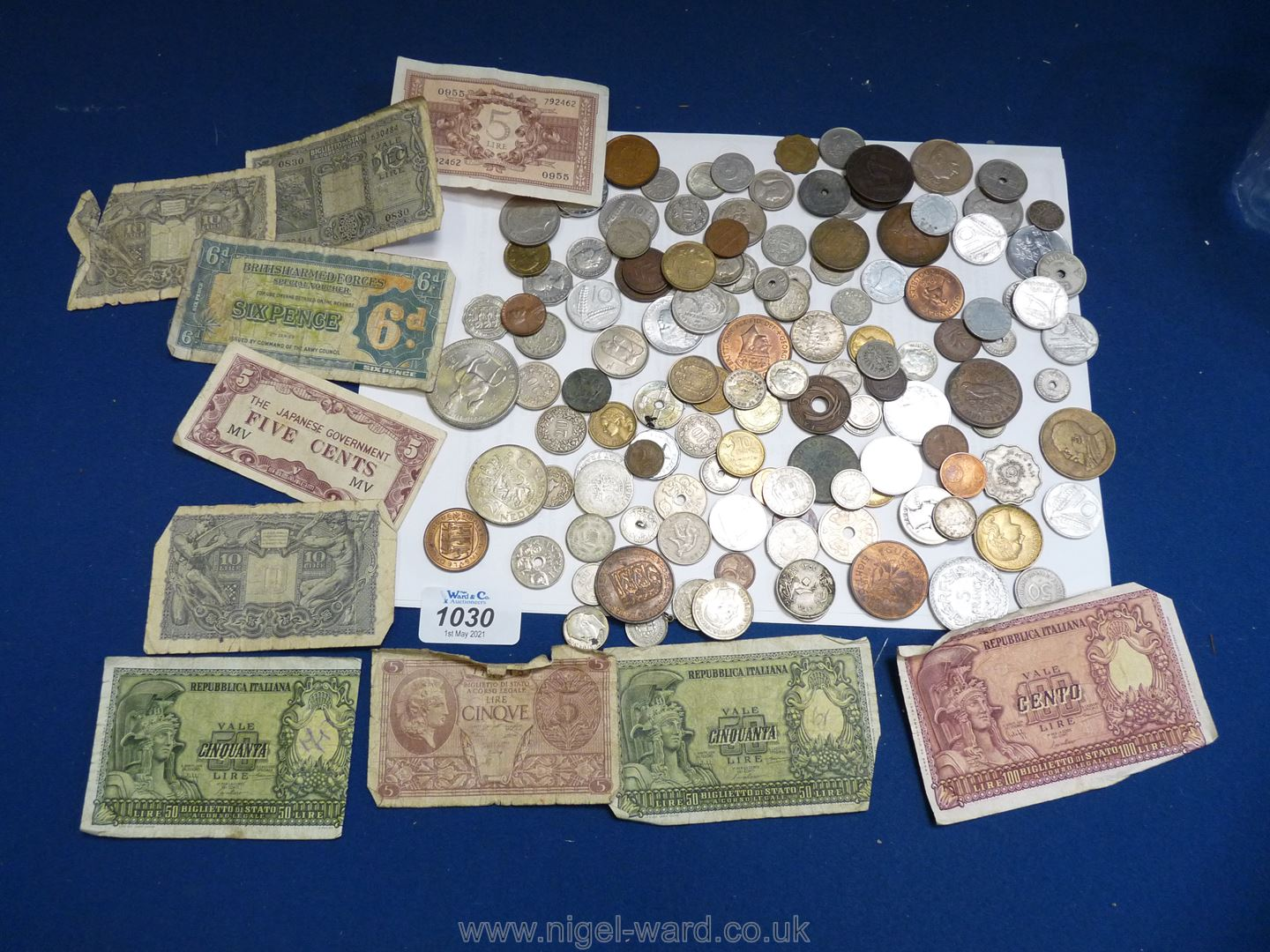 A quantity of foreign coins and Italian notes including lire,