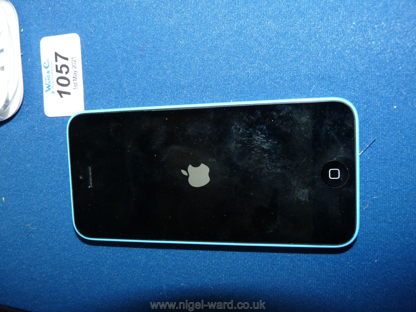 An Apple iPhone 5C, 8GB, blue, locked to Vodafone, - Image 3 of 3