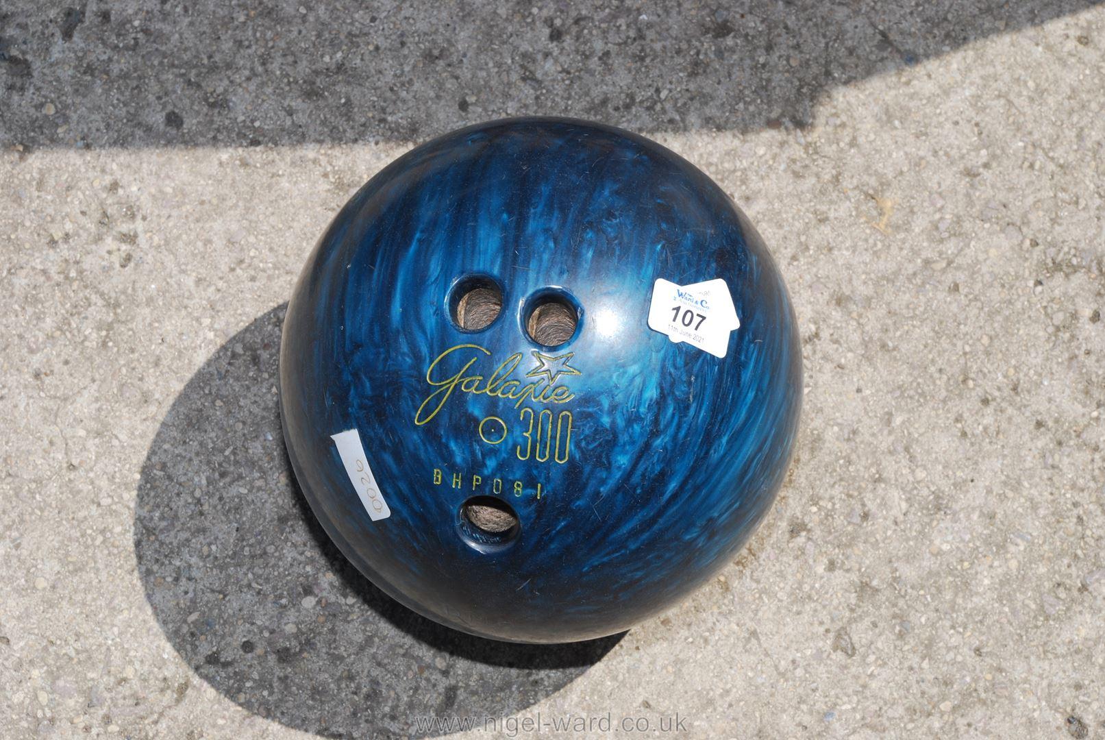 A Galapie 300 BHP081 ten pin Bowling Ball.