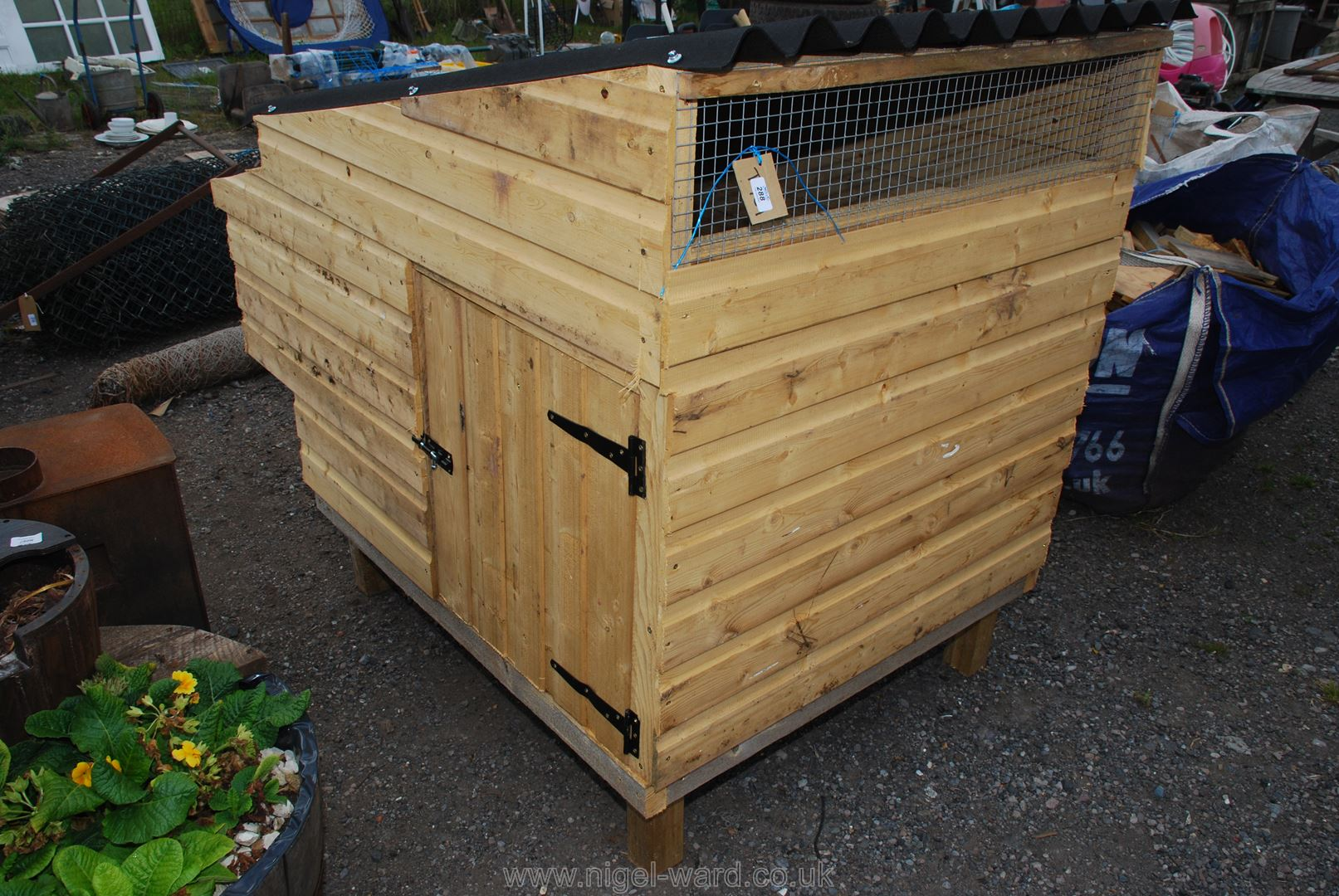 A wooden 1/2 barrow garden planter with feature. - Image 2 of 2