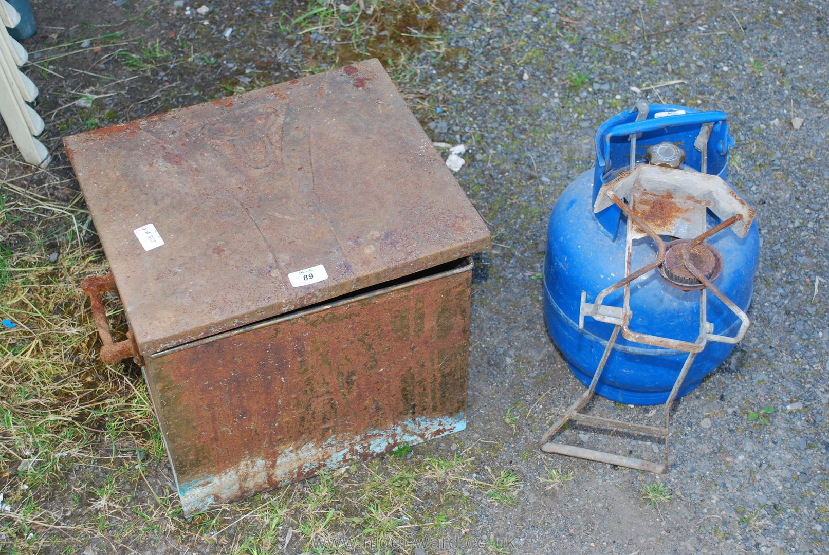 An Edwardian copper Coal box and a Butane gas burner with calor bottle and folding hob.