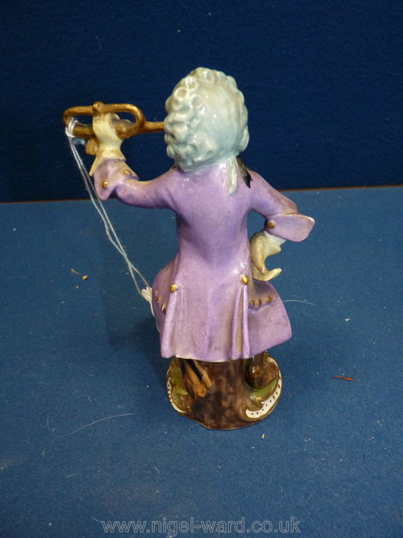 A 19th c. Vienna porcelain 'Monkey band' figurine after the 18th c. - Image 3 of 4
