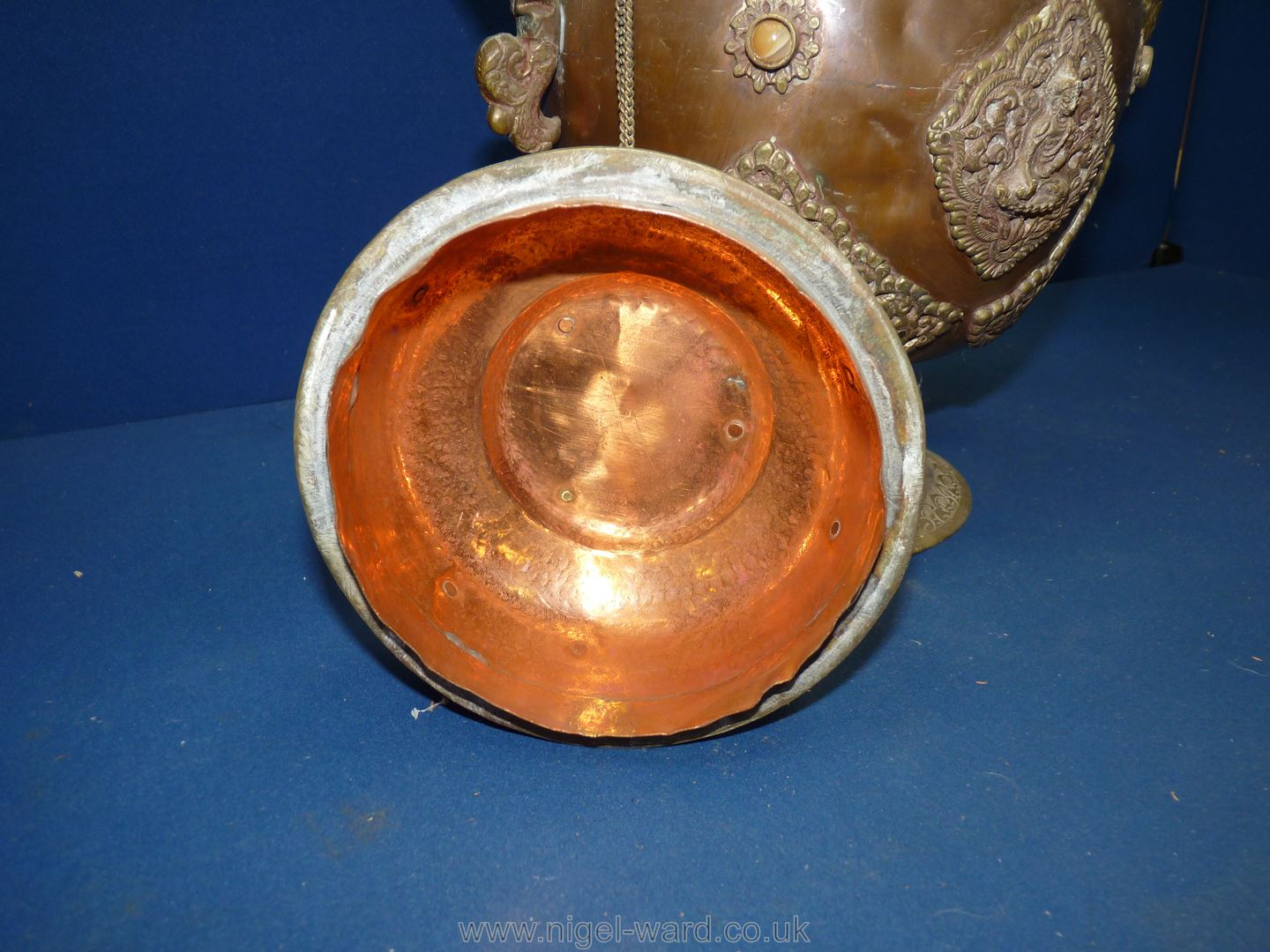 A Tibetan copper and brass ceremonial Dragon ewer with dragon handles and spout, - Image 7 of 9