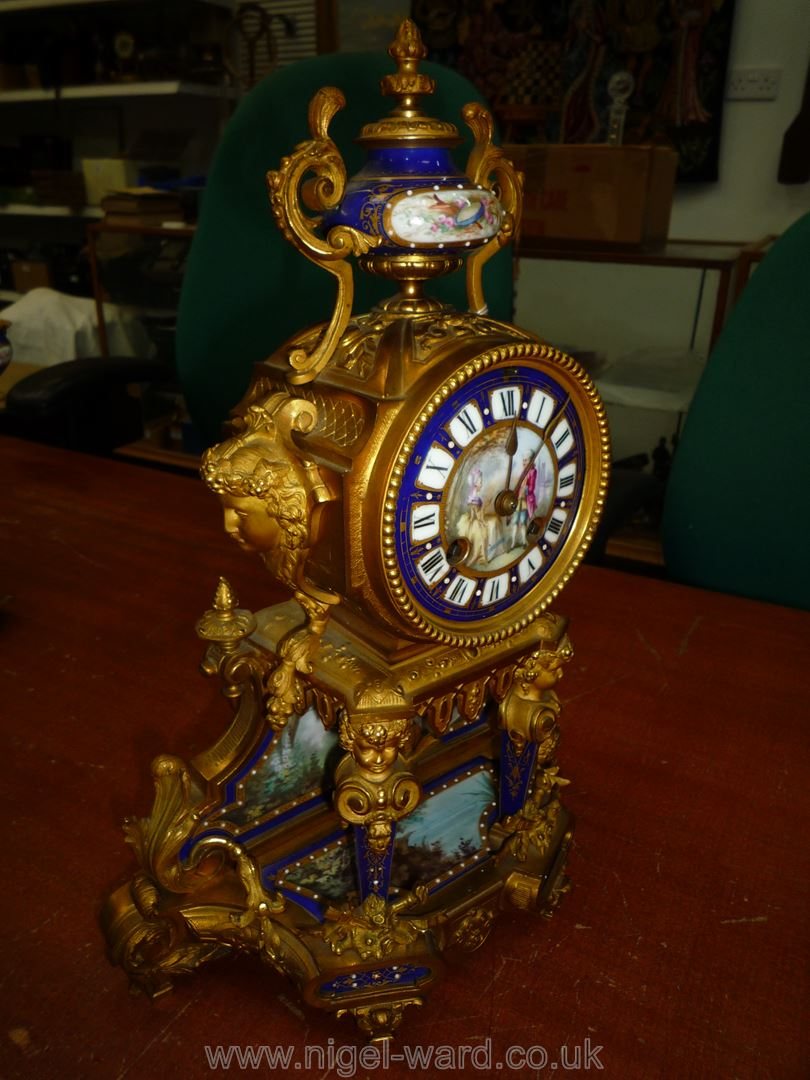 An exceptionally attractive French Ormolu and porcelain mantle Clock the two-train movement by - Image 10 of 35
