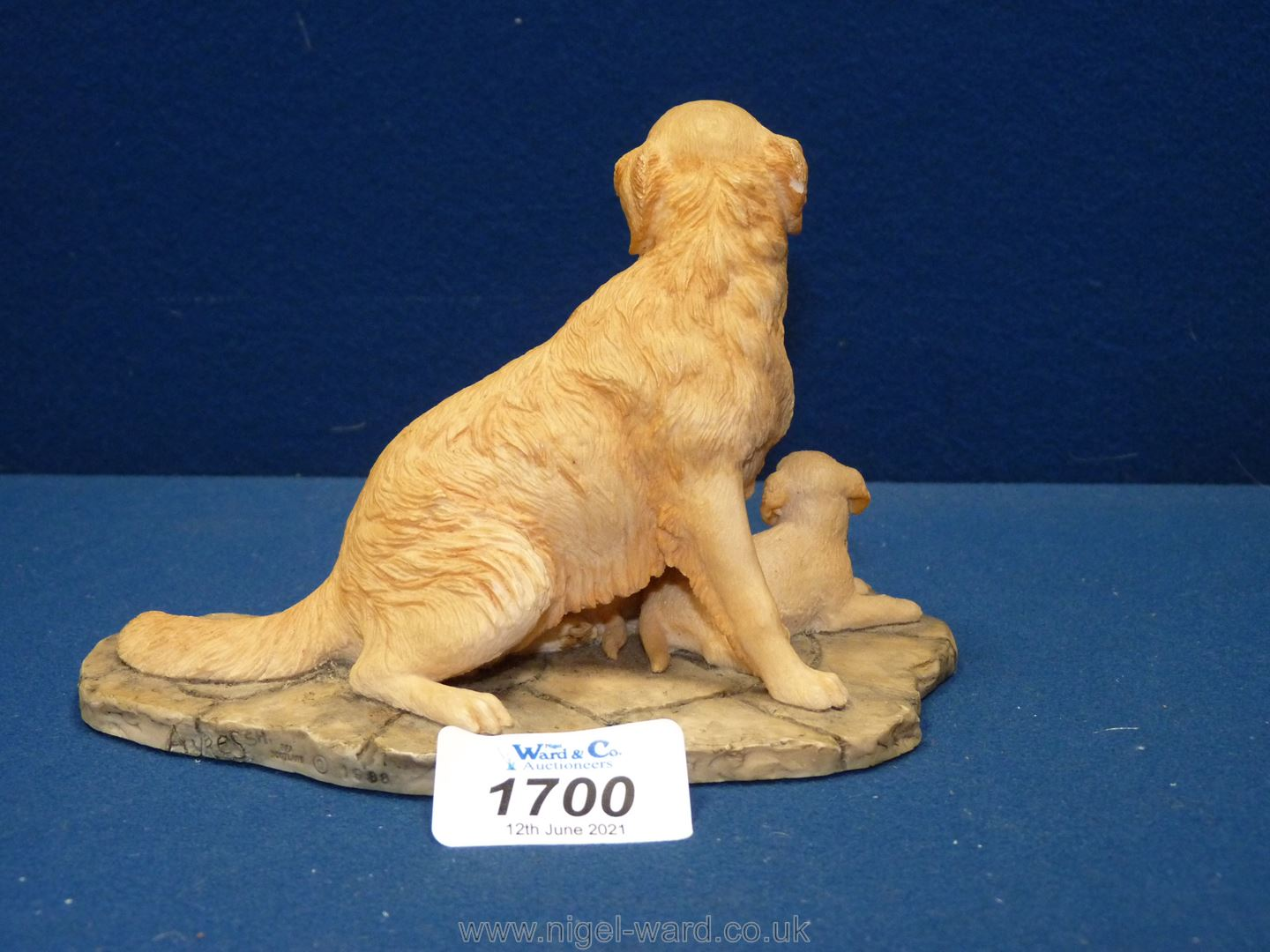A Border Fine Arts figure of Labrador and pups. - Image 2 of 2