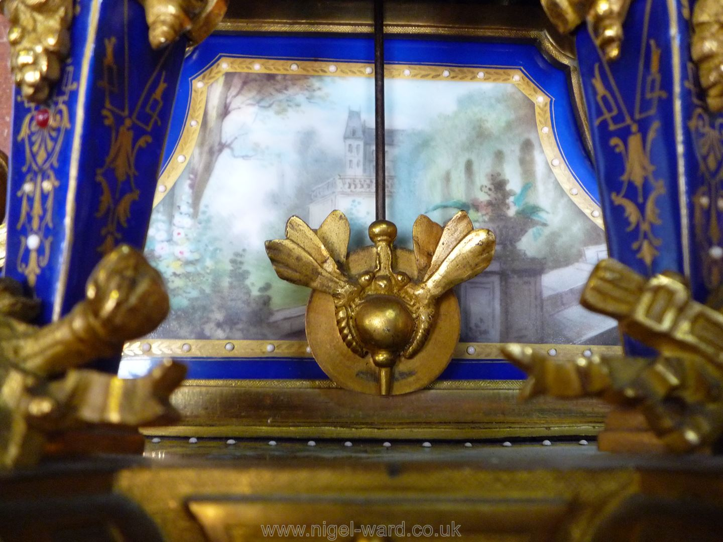 An exceptionally attractive French Ormolu and porcelain mantle Clock the two-train movement by - Image 9 of 35