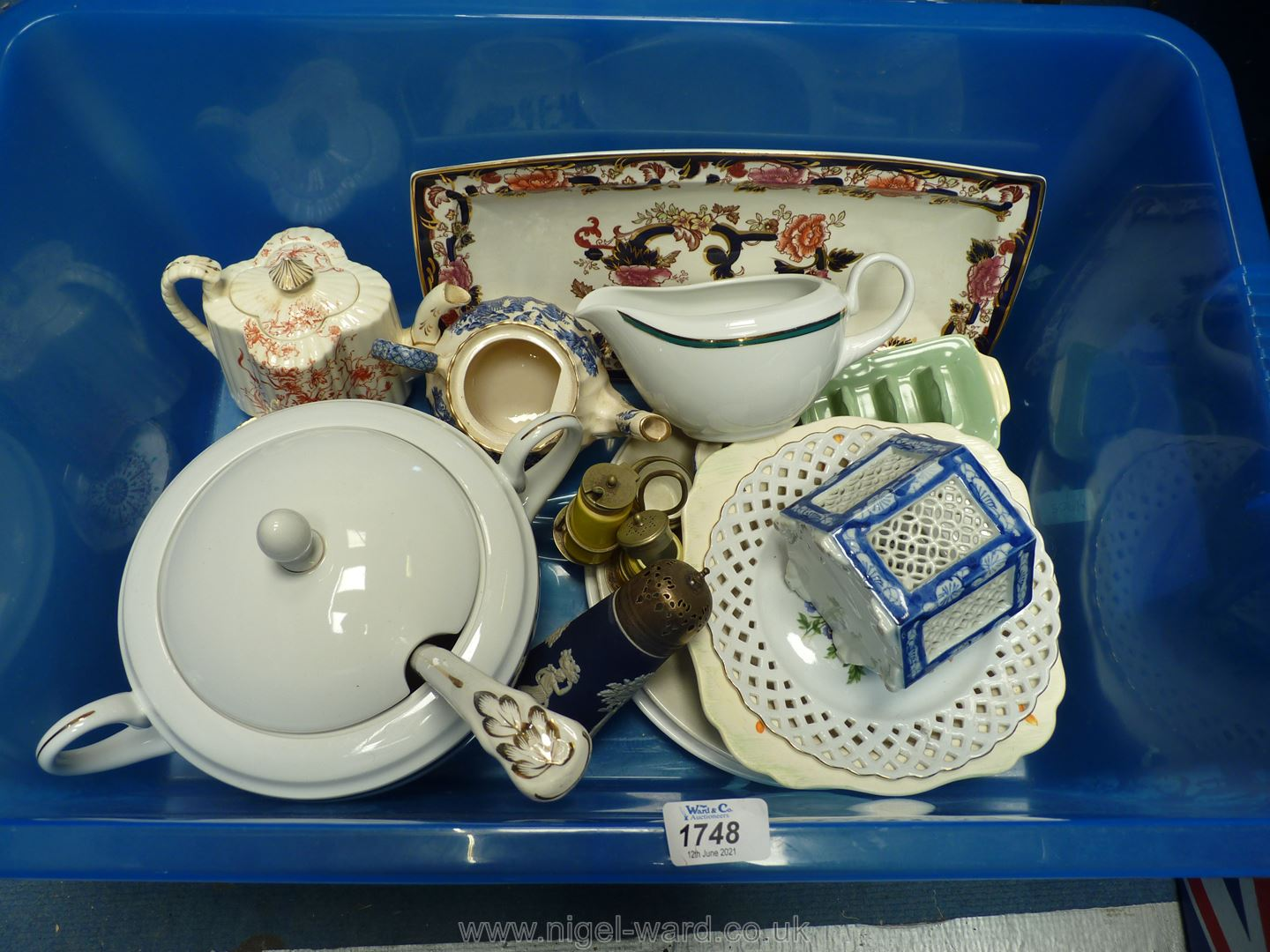 A quantity of china including a blue and white Sadler teapot, Wedgwood Jasperware sugar sifter,