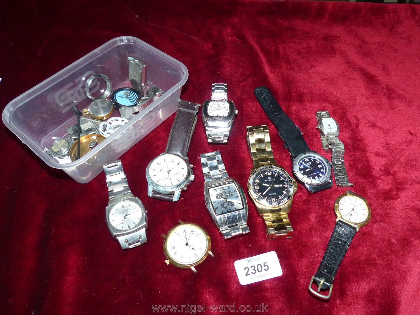 A carton of Gents watches including Next, Accurist, Lorus etc, all a/f.