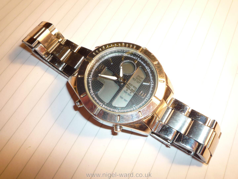 A heavy polished finish ''Executive Elite'' quartz movement Wristwatch having black grid pattern - Image 2 of 6