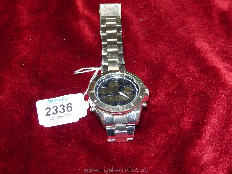 A heavy polished finish ''Executive Elite'' quartz movement Wristwatch having black grid pattern - Image 6 of 6