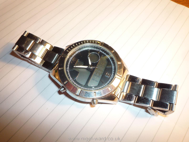 A heavy polished finish ''Executive Elite'' quartz movement Wristwatch having black grid pattern - Image 3 of 6