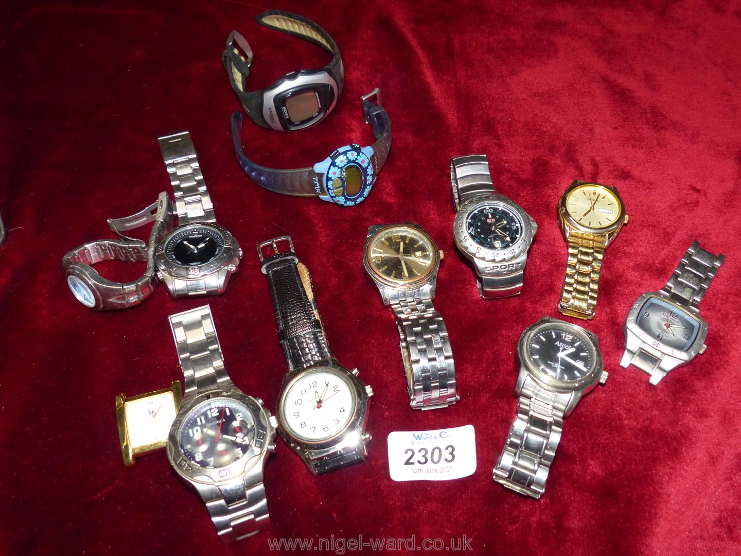 A tin of Gents and Ladies watches including Sekonda, Ascot, Dunlop etc, most a/f.