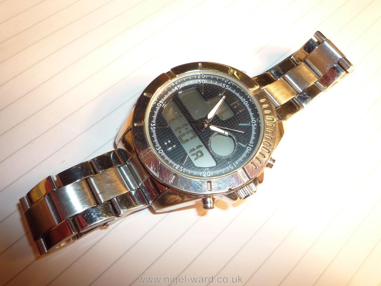 A heavy polished finish ''Executive Elite'' quartz movement Wristwatch having black grid pattern - Image 5 of 6