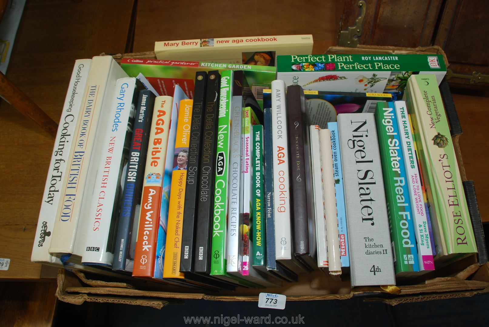 Quantity of cookery and gardening books.