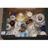 Quantity of cabinet cups and saucers, small vases,
