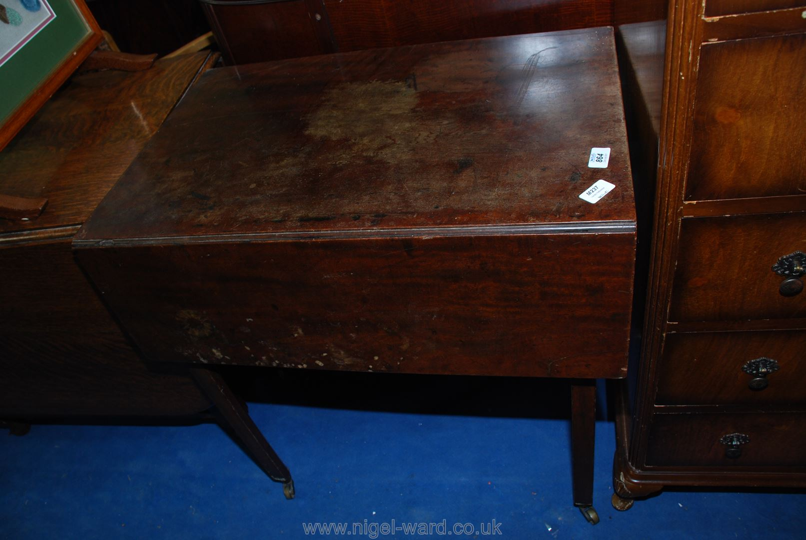Drop leaf side table with one full depth drawer - Image 2 of 2