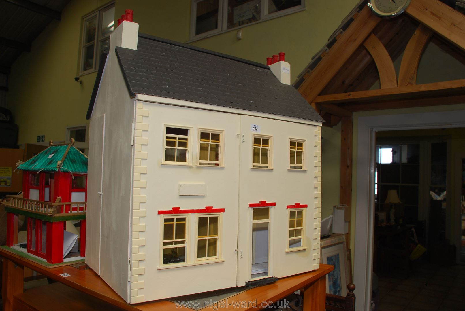 Dolls house with battery operated lights,
