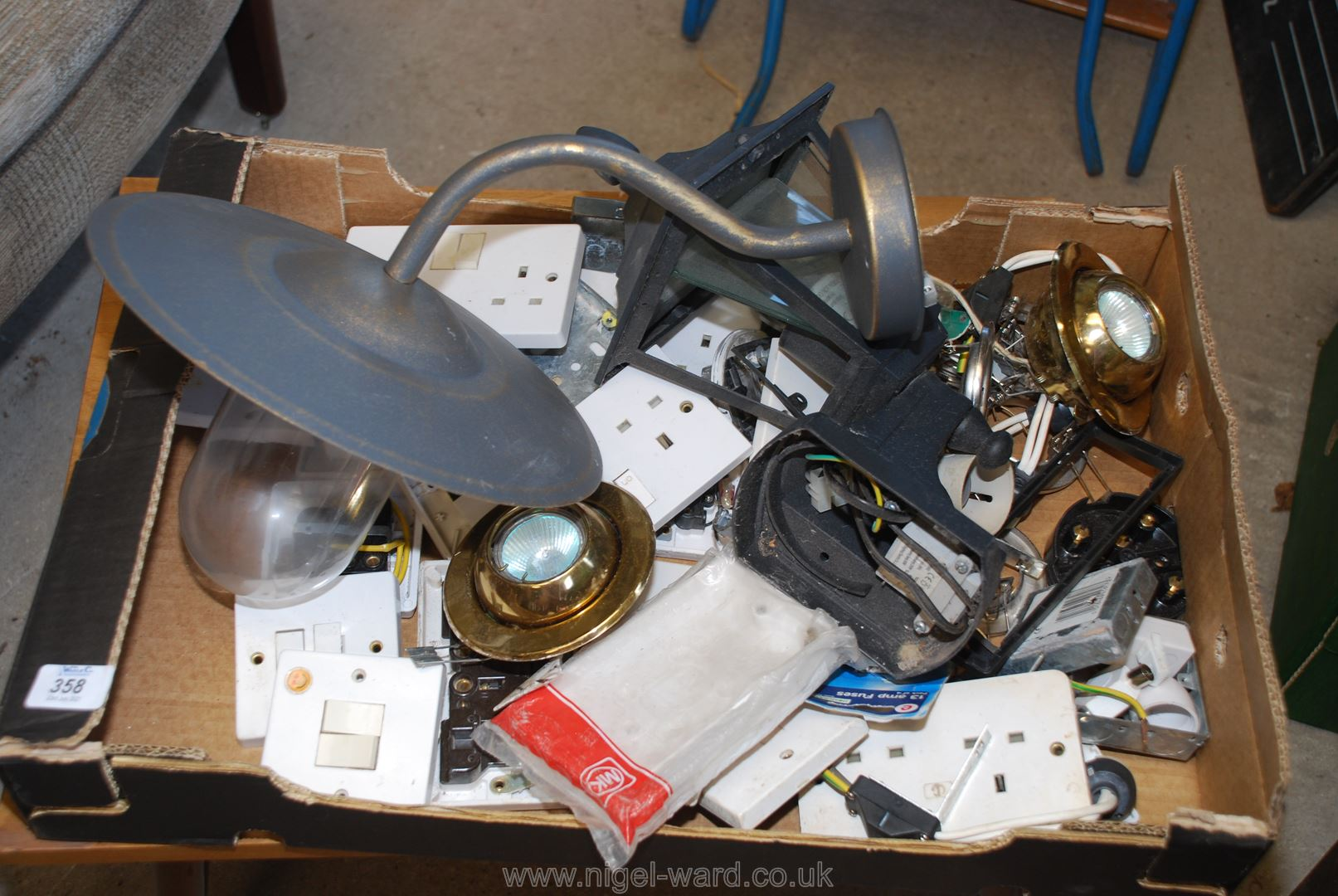 Quantity of electrical fittings,