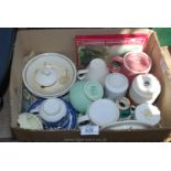 Small box of mugs and cups