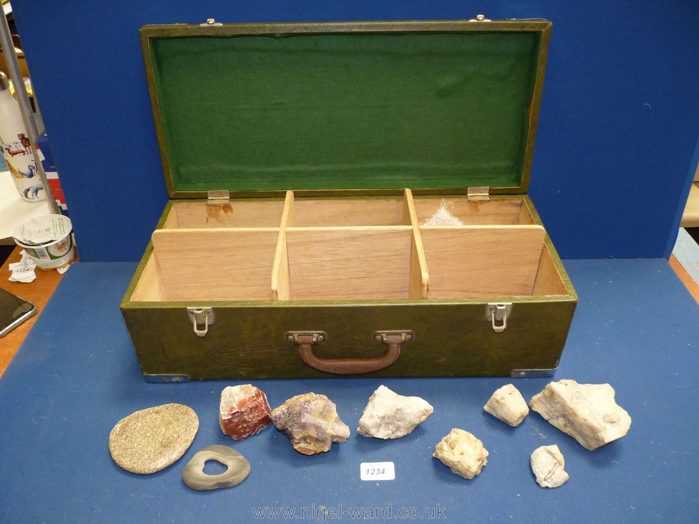 A case of Rock Specimens and Amethyst. - Image 3 of 3