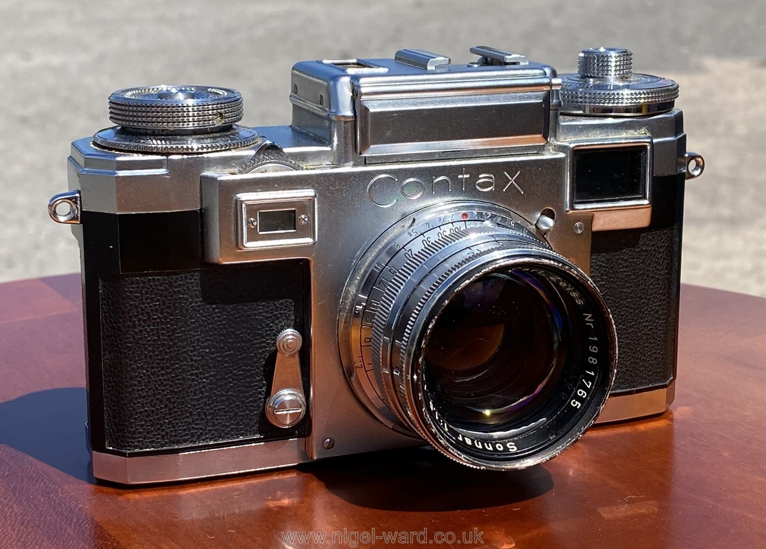 A Circa 1950's - 60's Zeiss Ikon Stuttgart Contax IIIa 35mm Range Finder Camera with a Carl Zeiss - Image 2 of 18