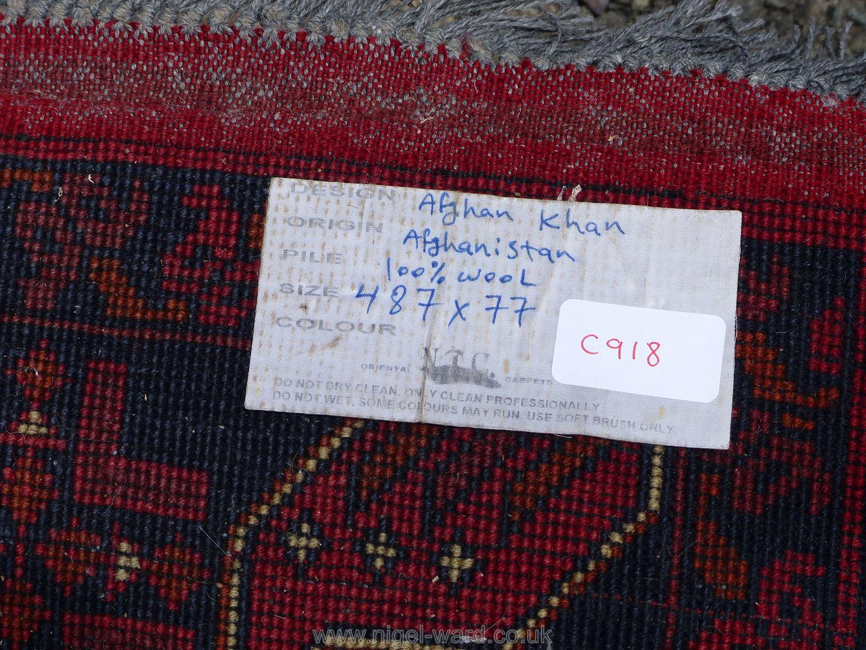 A long Afghan Kahn hall runner, 100% wool, 487 cm x 77 cm. - Image 7 of 7