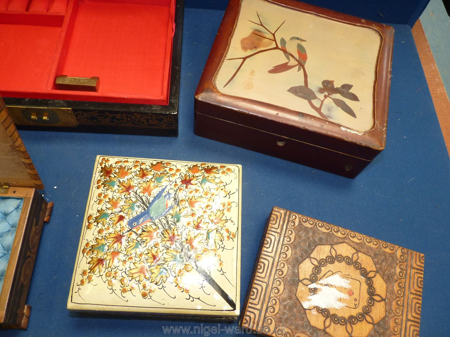 A quantity of oriental boxes including ream with painted detail, brass flower detail, - Image 2 of 5
