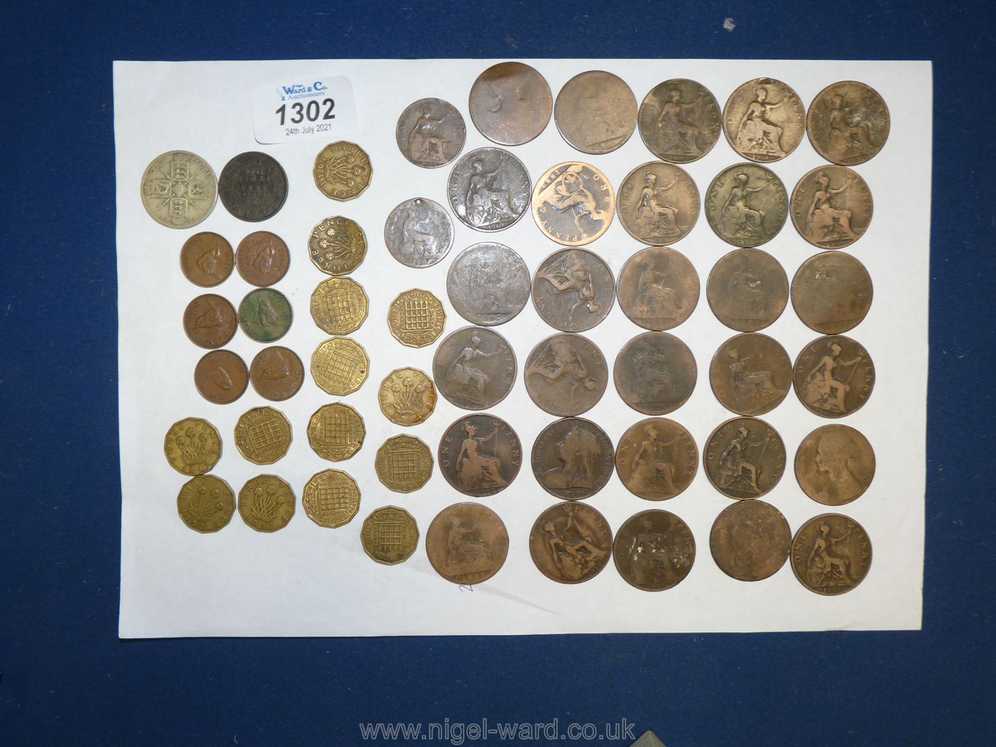 A quantity of old pennies dating from the late 1800 to 1900's (30 approx. - Image 2 of 2