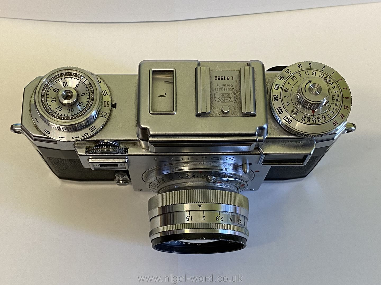 A Circa 1950's - 60's Zeiss Ikon Stuttgart Contax IIIa 35mm Range Finder Camera with a Carl Zeiss - Image 5 of 18