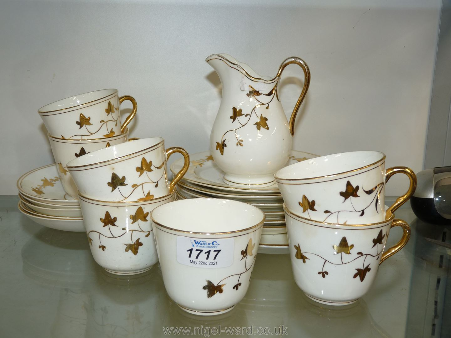 A part Teaset in white and gilt ivy leaf pattern - Image 3 of 4