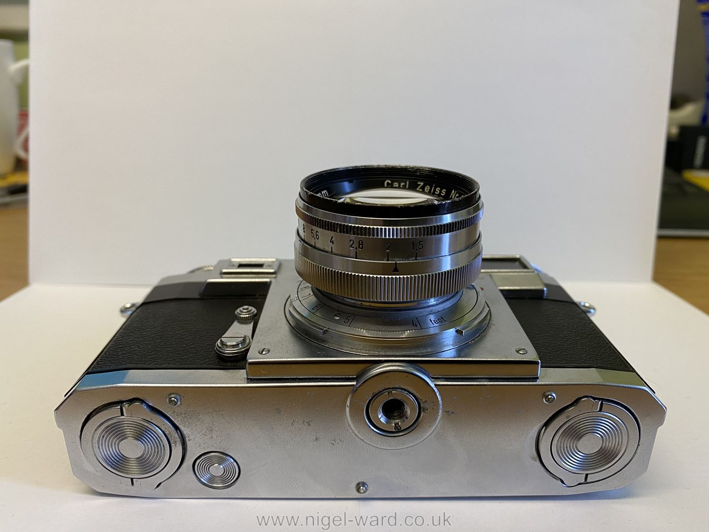 A Circa 1950's - 60's Zeiss Ikon Stuttgart Contax IIIa 35mm Range Finder Camera with a Carl Zeiss - Image 4 of 18