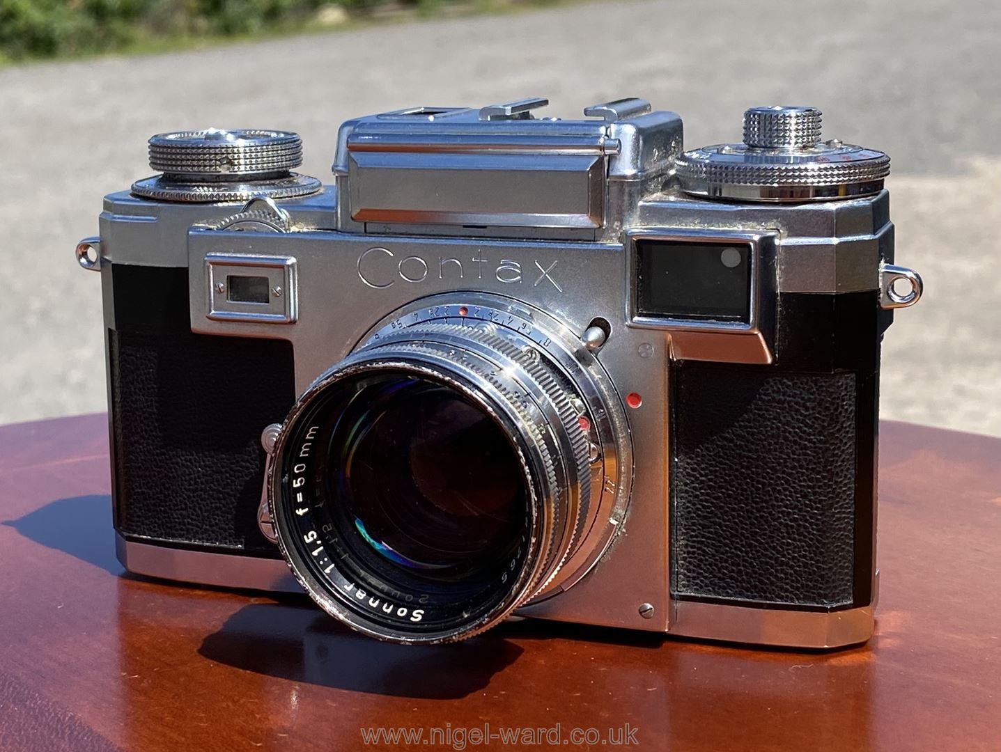 A Circa 1950's - 60's Zeiss Ikon Stuttgart Contax IIIa 35mm Range Finder Camera with a Carl Zeiss