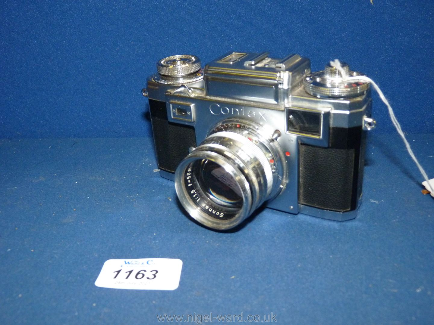 A Circa 1950's - 60's Zeiss Ikon Stuttgart Contax IIIa 35mm Range Finder Camera with a Carl Zeiss - Image 18 of 18