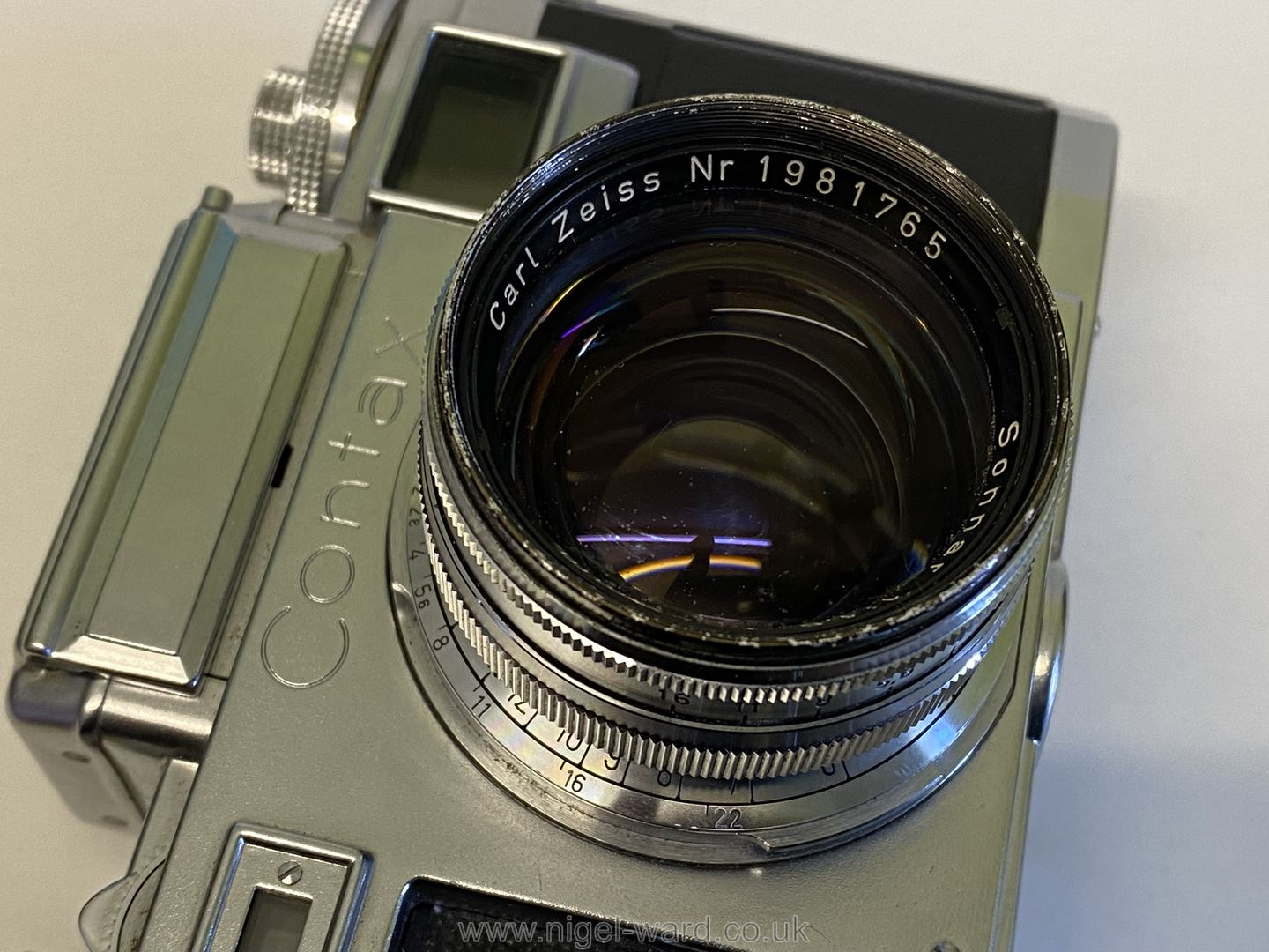 A Circa 1950's - 60's Zeiss Ikon Stuttgart Contax IIIa 35mm Range Finder Camera with a Carl Zeiss - Image 8 of 18