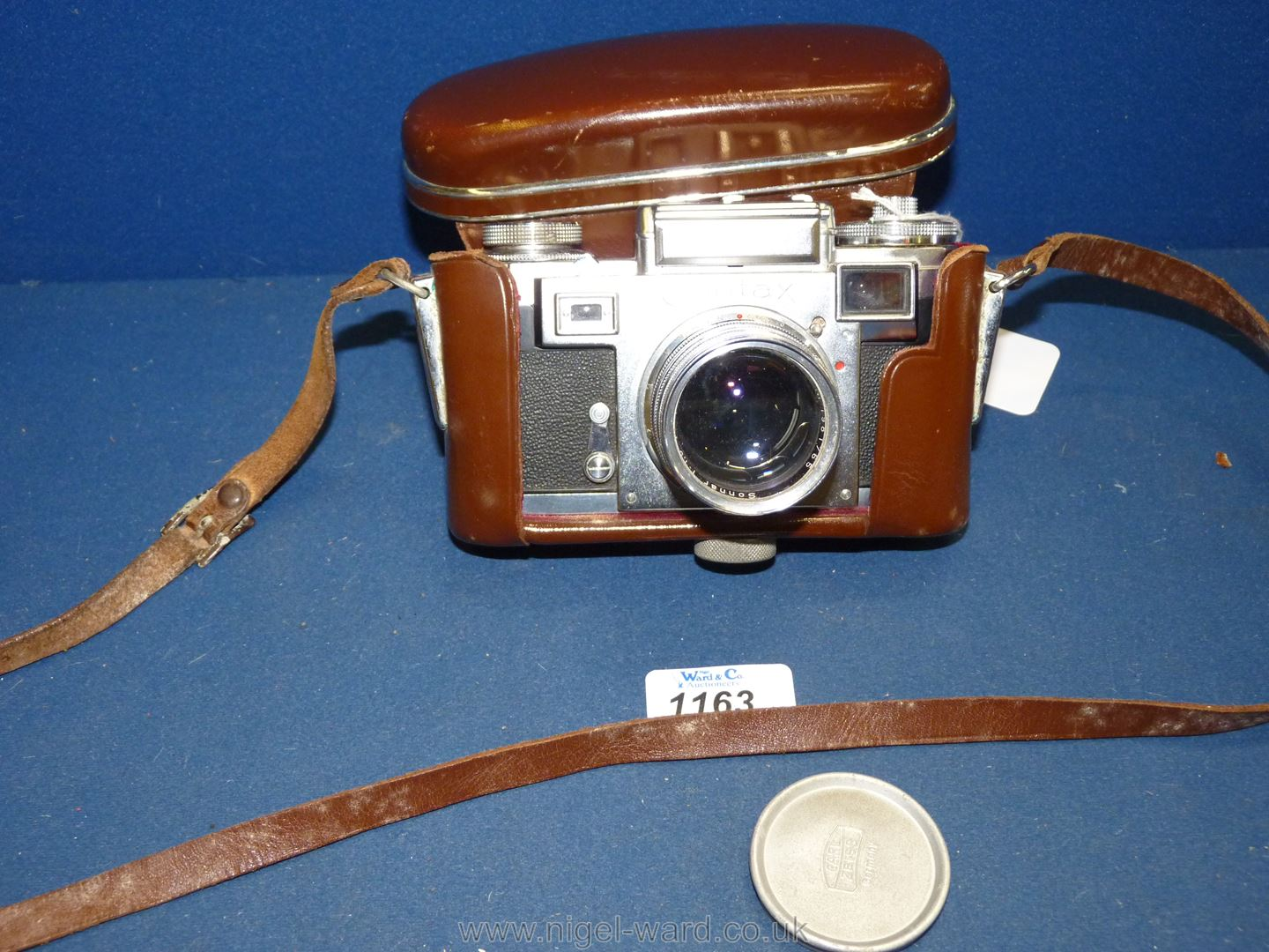 A Circa 1950's - 60's Zeiss Ikon Stuttgart Contax IIIa 35mm Range Finder Camera with a Carl Zeiss - Image 16 of 18