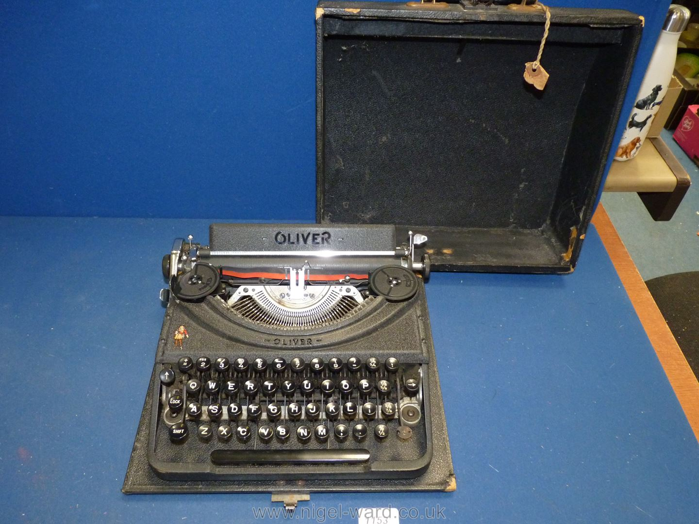An Oliver portable typewriter (case a/f)
