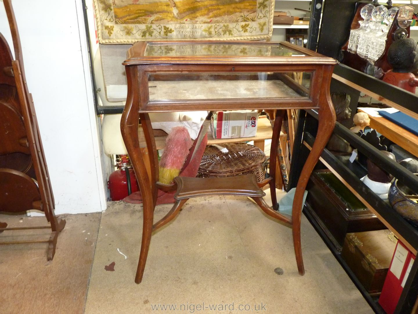 An Edwardian Curio table, 29 1/2'' high x 24'' wide x 17'' deep, with key. - Image 2 of 2