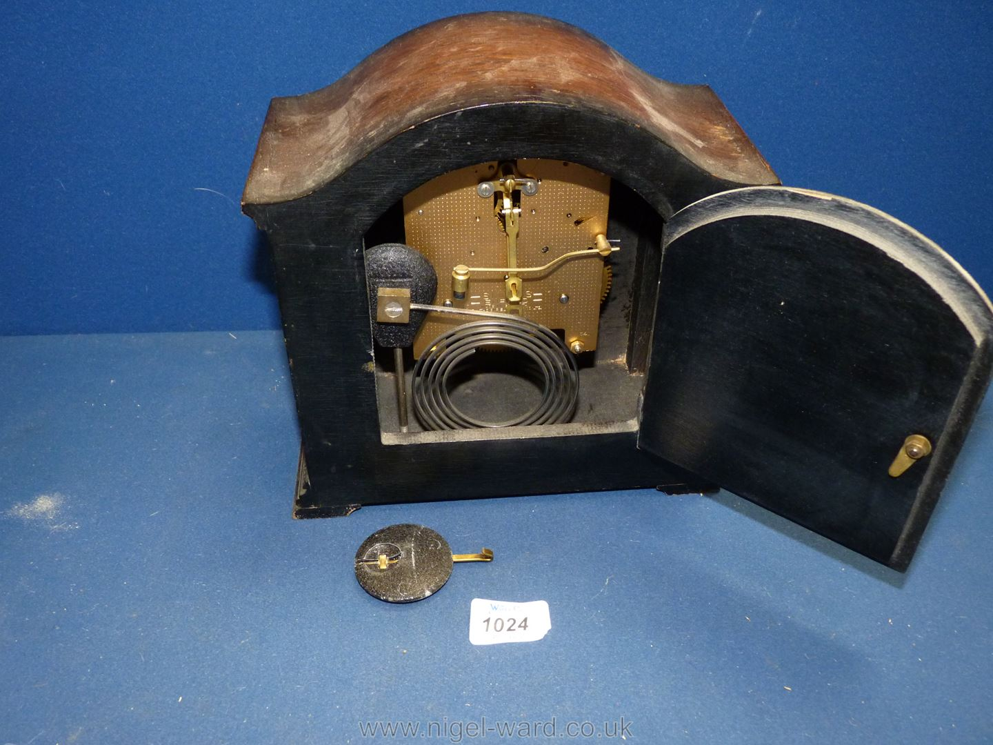 A Smiths Enfield mantle Clock with twist columns, pendulum present, - Image 2 of 2