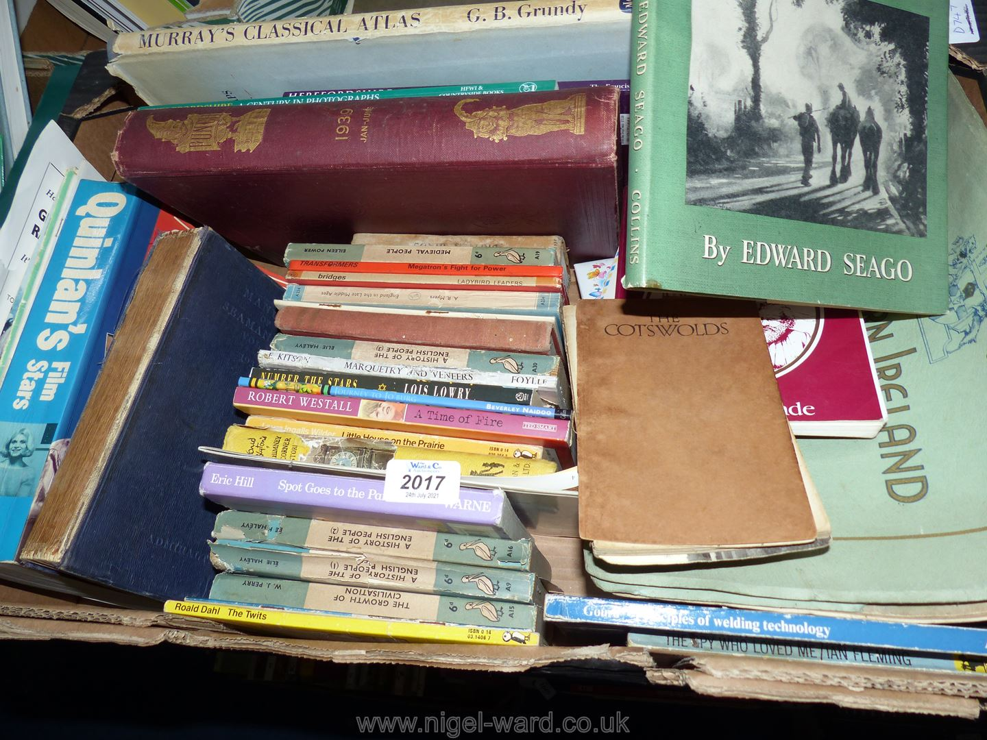 Quantity of books to include Peace in War by Edward Seago, The Cotswolds by Alison D. Murray etc.