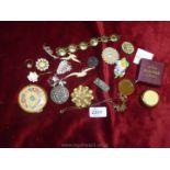 Miscellaneous vintage costume jewellery,