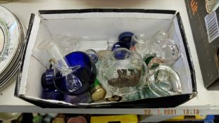 A quantity of glass items