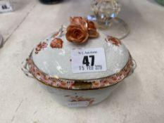 A Herend lidded pot