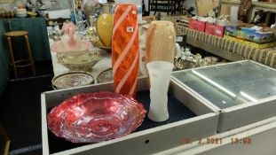 An art glass vase and bowl,